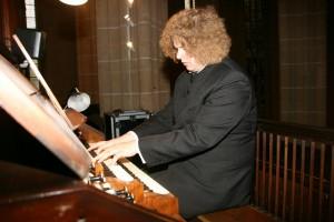 An der Orgel Denny Ph. Wilke