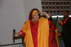 ih 100204 Queen Yahna GospelStar