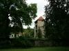 ih090621-garten-haus-der-kirche-1