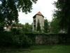 ih090621-garten-haus-der-kirche