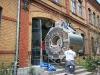 ankunft-des-kernspintomographen-im-radiologischen-zentrum-21