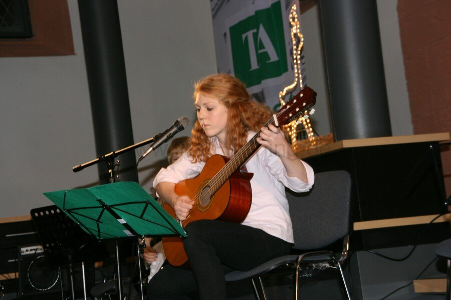 ta-cafe-gitarrenmusik-zum-advent-24